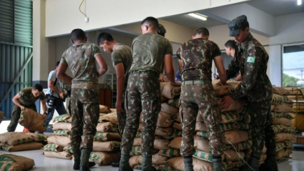صورة قتيلان في صدامات مع الجيش الفنزويلي على الحدود البرازيلية