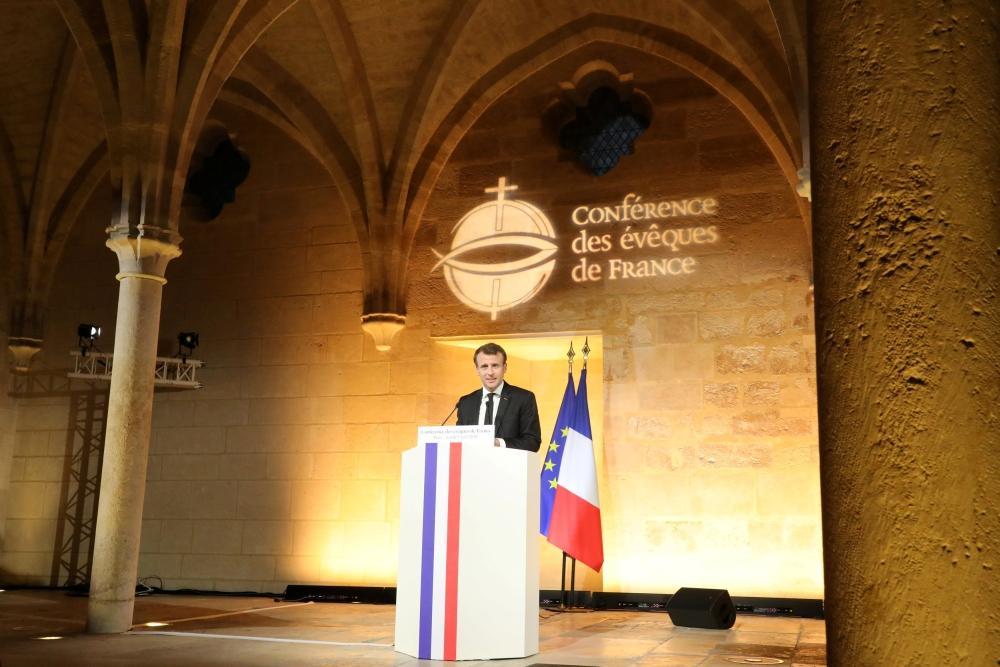 صورة الفصل بين الكنيسة والدولة يثير قلق مسلمي فرنسا