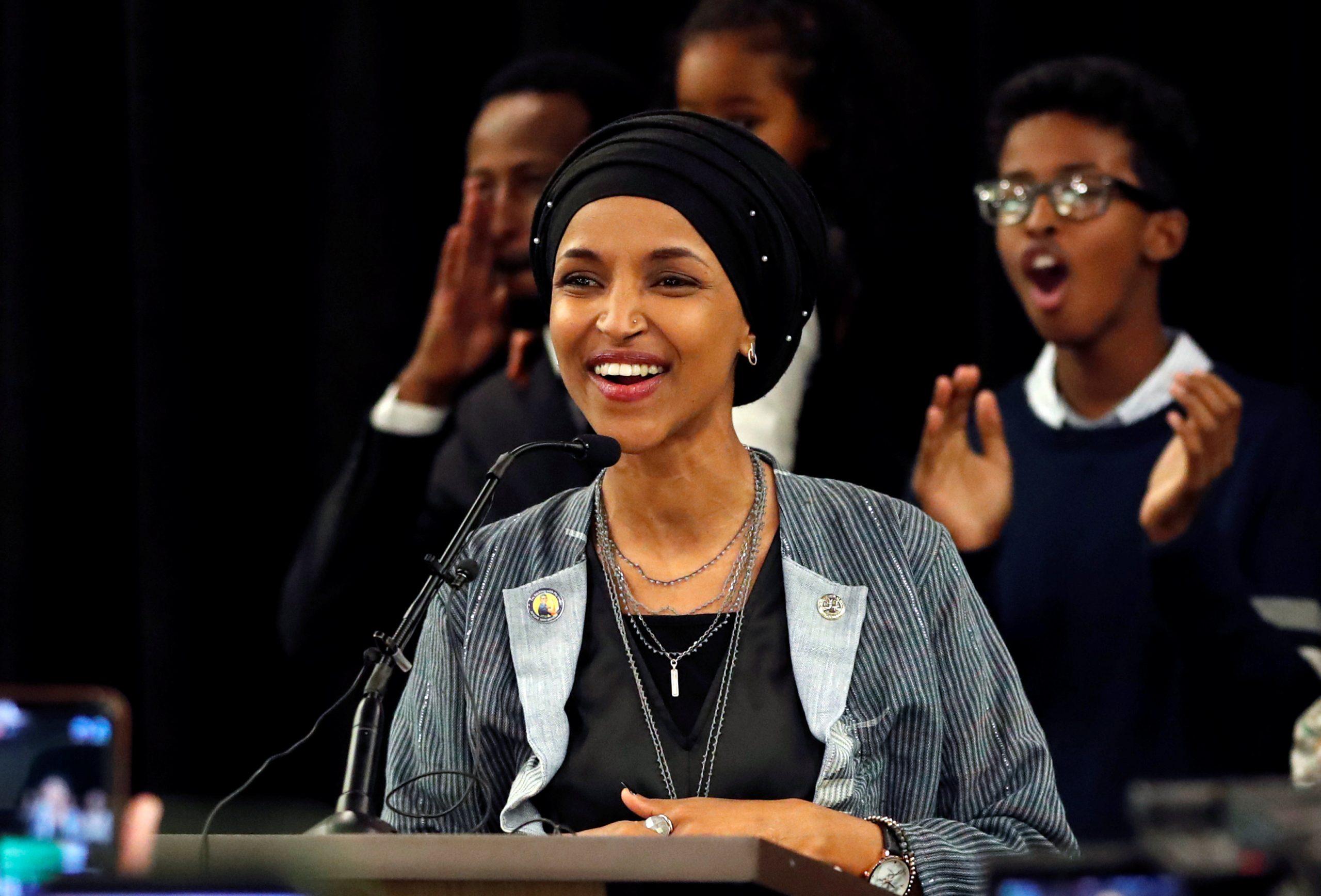 """صورة الكونغرس الأمريكي يناقش حق ارتداء """"الحجاب"""" داخل مقره"""