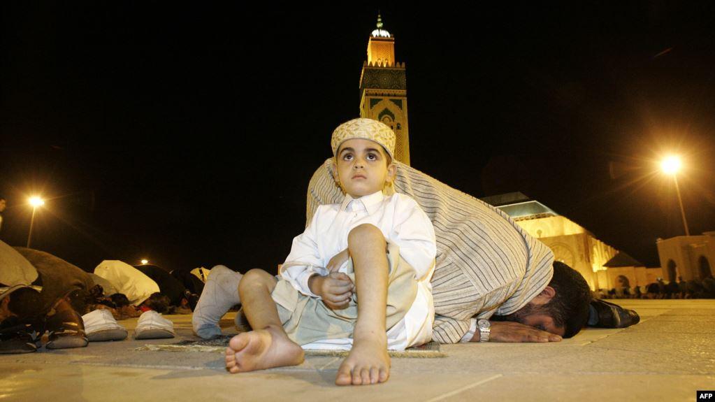 صورة لماذا يحرّم الوهابيون الاحتفال بالمولد النبوي؟