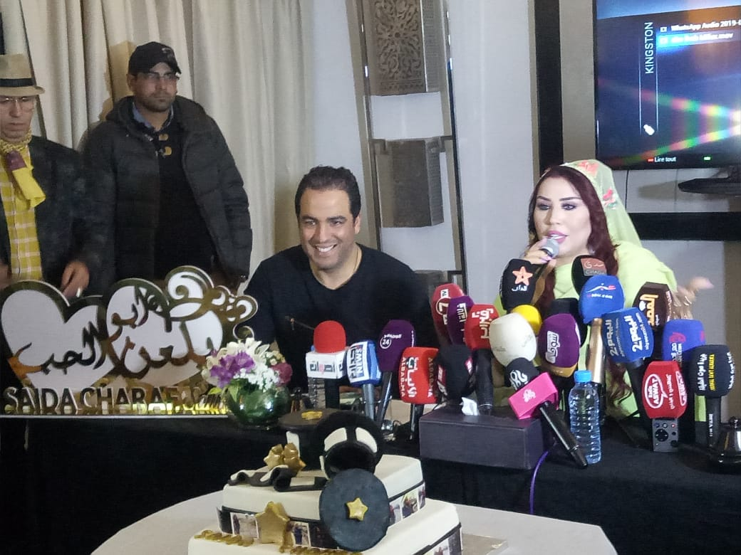Photo of سعيدة شرف تلعن الحب في ألبومها الجديد.. المفاجأة من صديقاتها (صور)