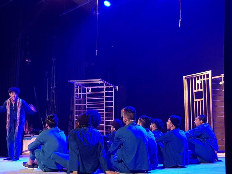 """صورة طنجة : مسرحية """"سوق النساء"""" تفوز بالجائزة الكبرى للمسابقة الوطنية للمسرح بالسجون"""