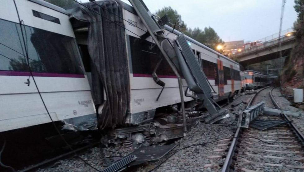 صورة حكومة كتالونيا تفتح تحقيقا في حادث قطار برشلونة