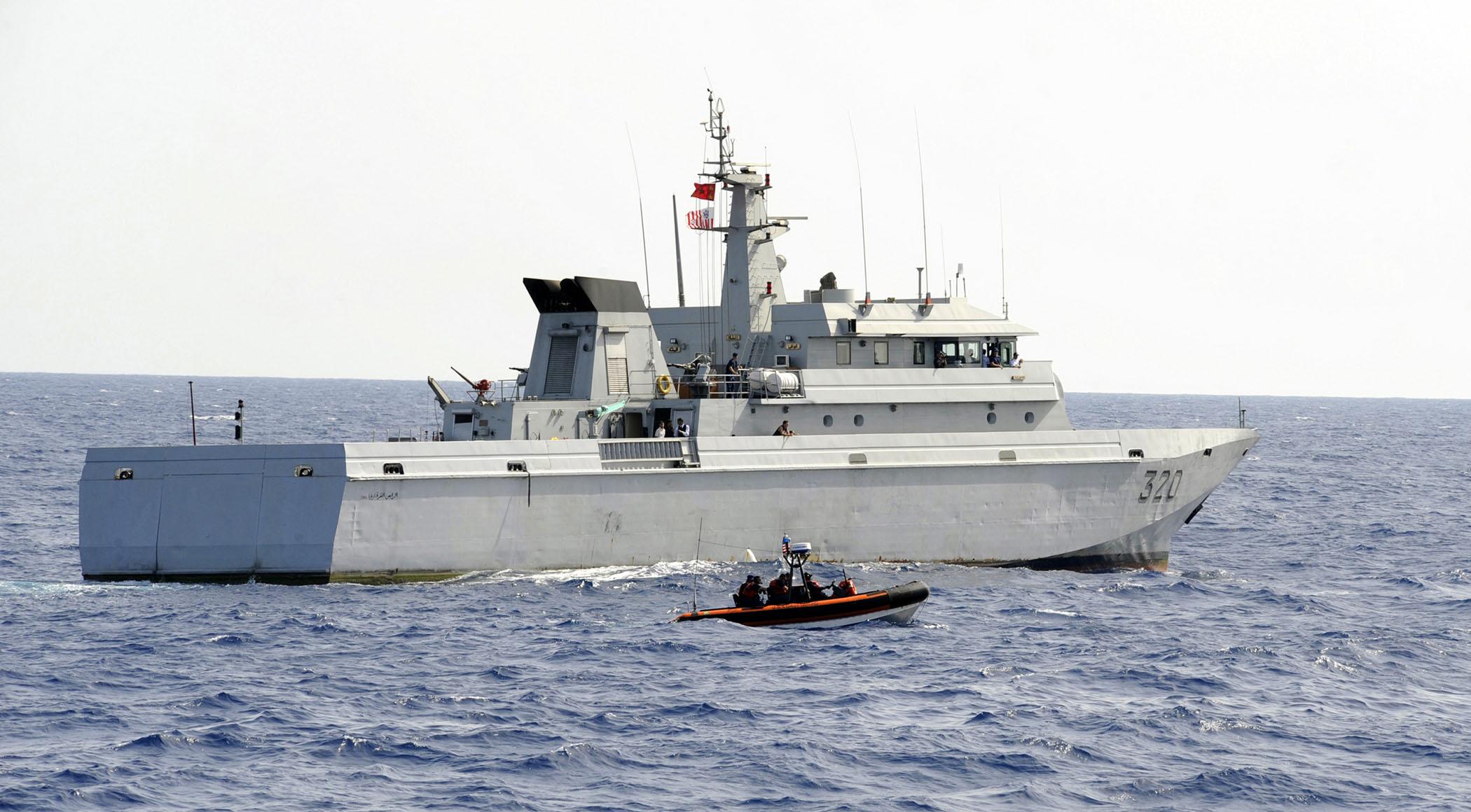 Photo of البحرية الملكية تنقذ 424 مرشحا للهجرة السرية بسواحل المتوسط