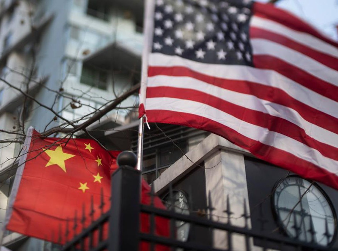 "Photo of هواوي الصينية تتلقى ""ضربات قوية"".. شركات عالمية تنفذ ""أوامر ترامب"""