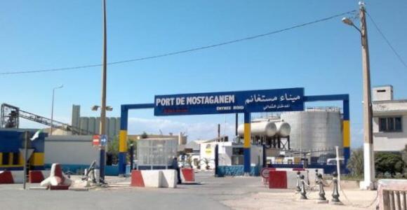 صورة صحراويون عالقون بميناء مستغانم بسبب عراقيل جزائرية