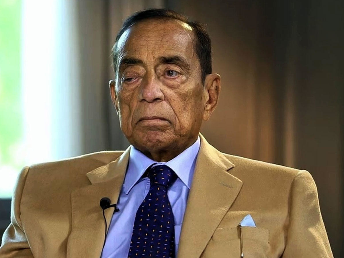 Photo of وفاة رجل الأعمال المصري حسين سالم.. أبرز رجالات حسني مبارك