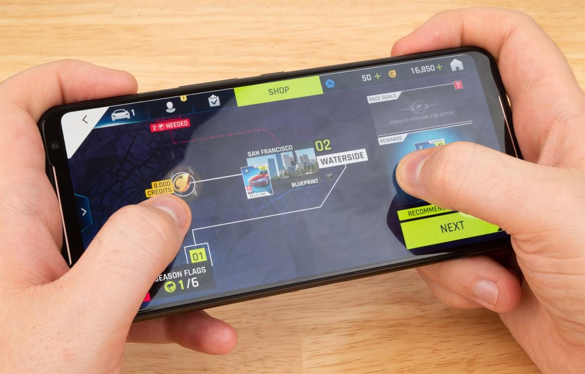 Photo of آسوس تعلن عن هاتف الألعاب ROG Phone II