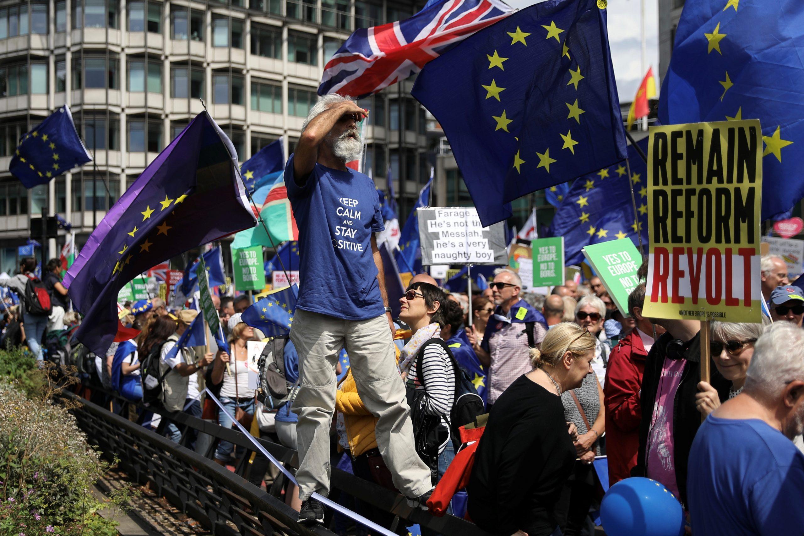 صورة بريطانيا ستواجه نقصاً بالوقود والغذاء والدواء إذا غادرت الاتحاد الأوروبي دون اتفاق