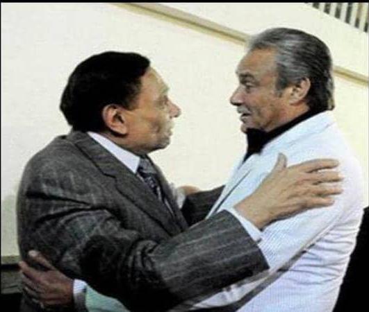 صورة عادل إمام ينعى فاروق الفيشاوي بجملة واحدة.. وصورة