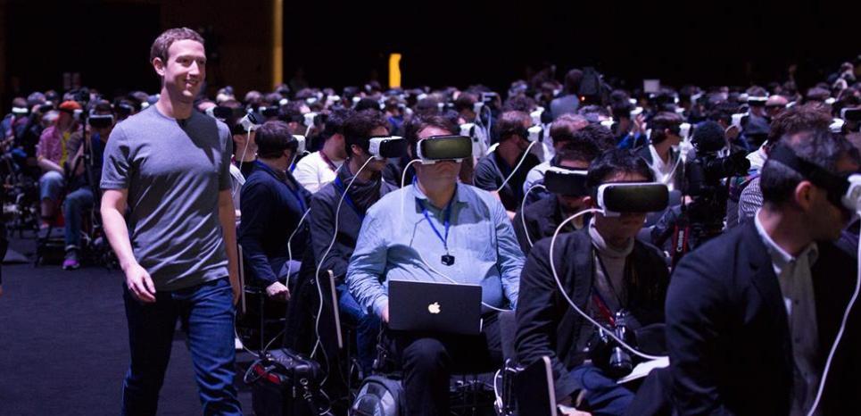 """Photo of زوكربيرج يقترب من مغادرة """"فايسبوك"""" بعد بيعه 3 ملايين سهم"""