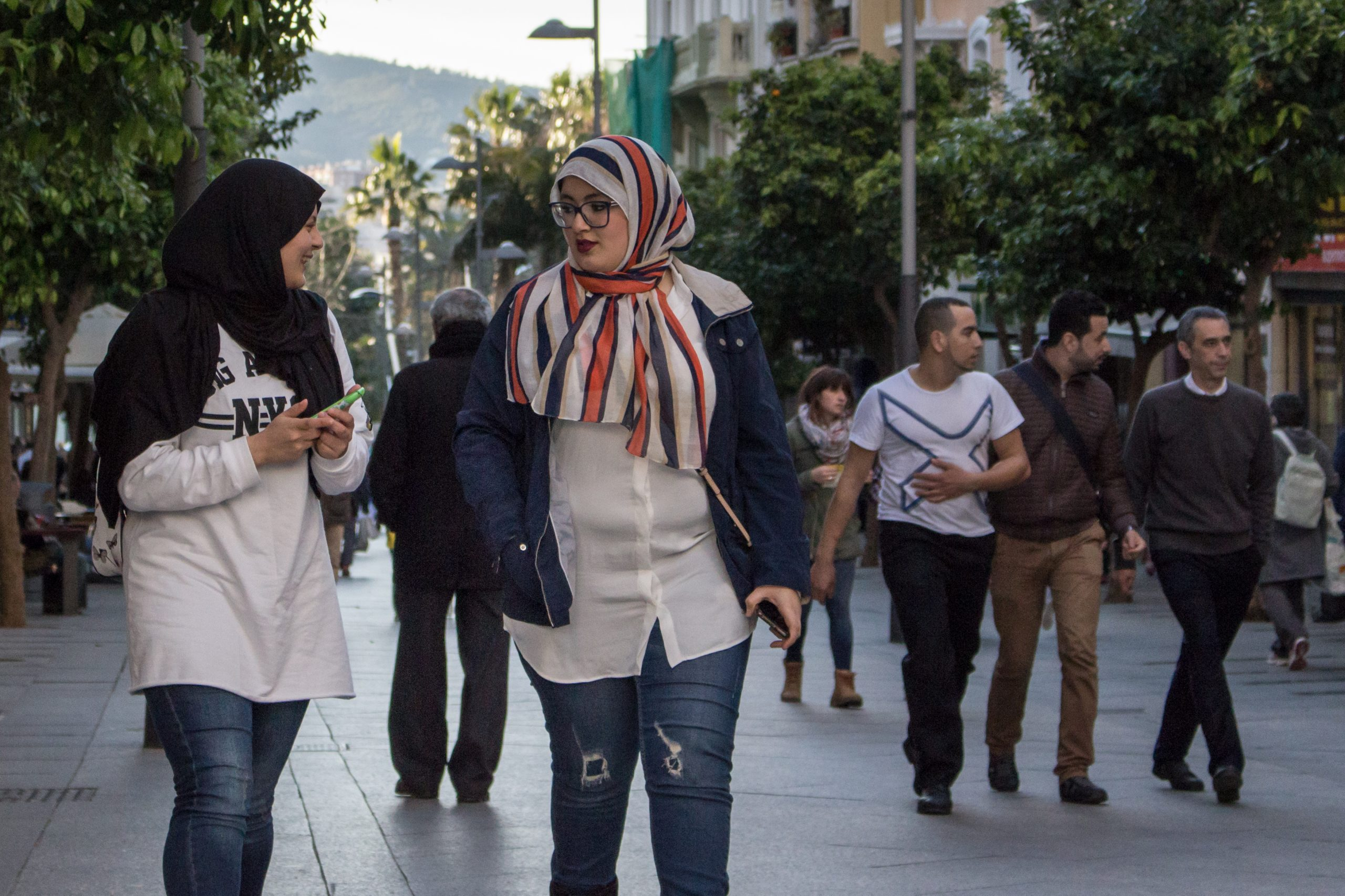 Photo of تقرير يفضح انتهاك حقوق العاملات المنزليات المغربيات في سبتة