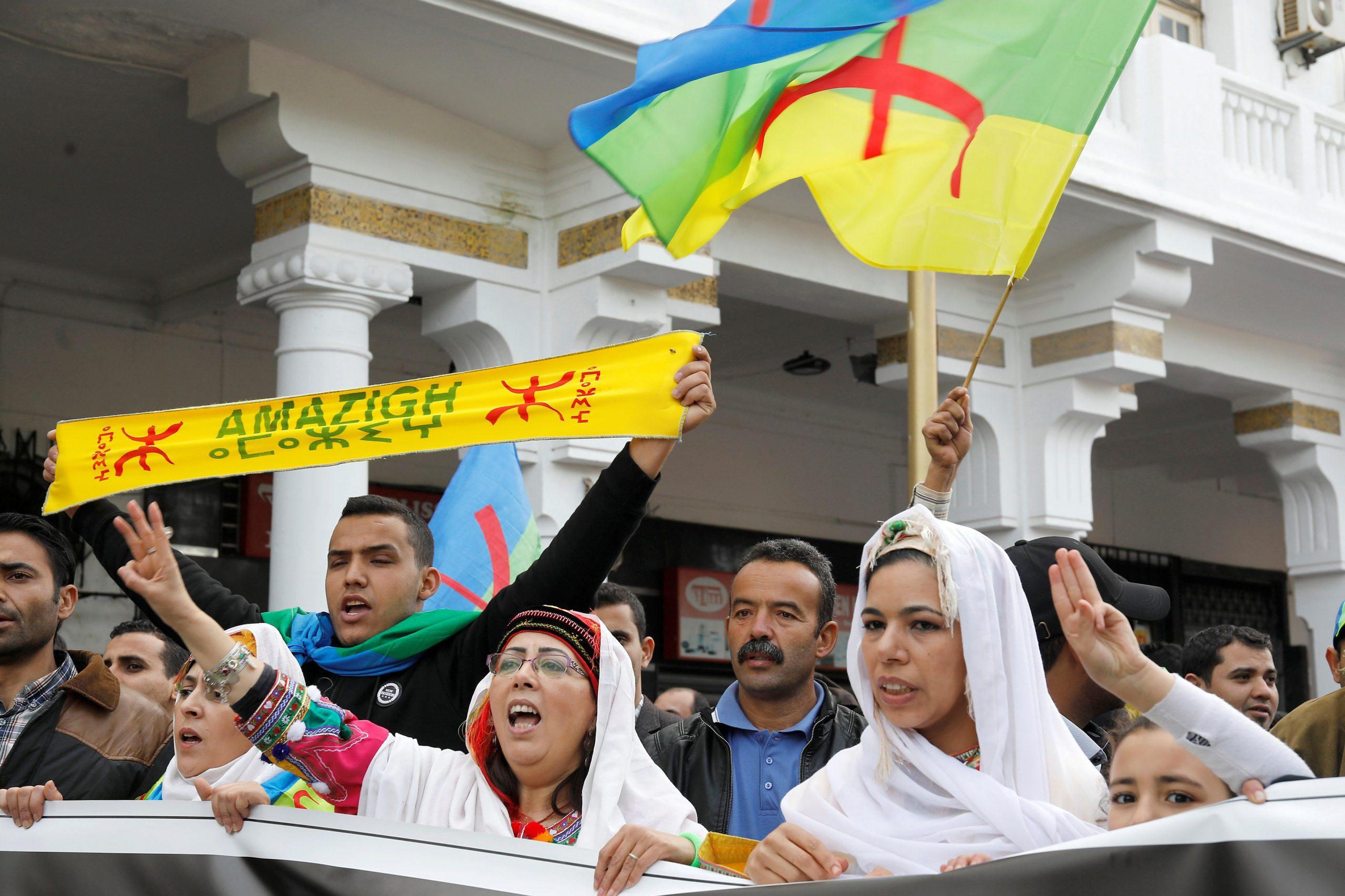 Photo of مؤيدو الأمازيغية يحمّلون الحكومة مسؤولية تباطؤ المصادقة على القانون