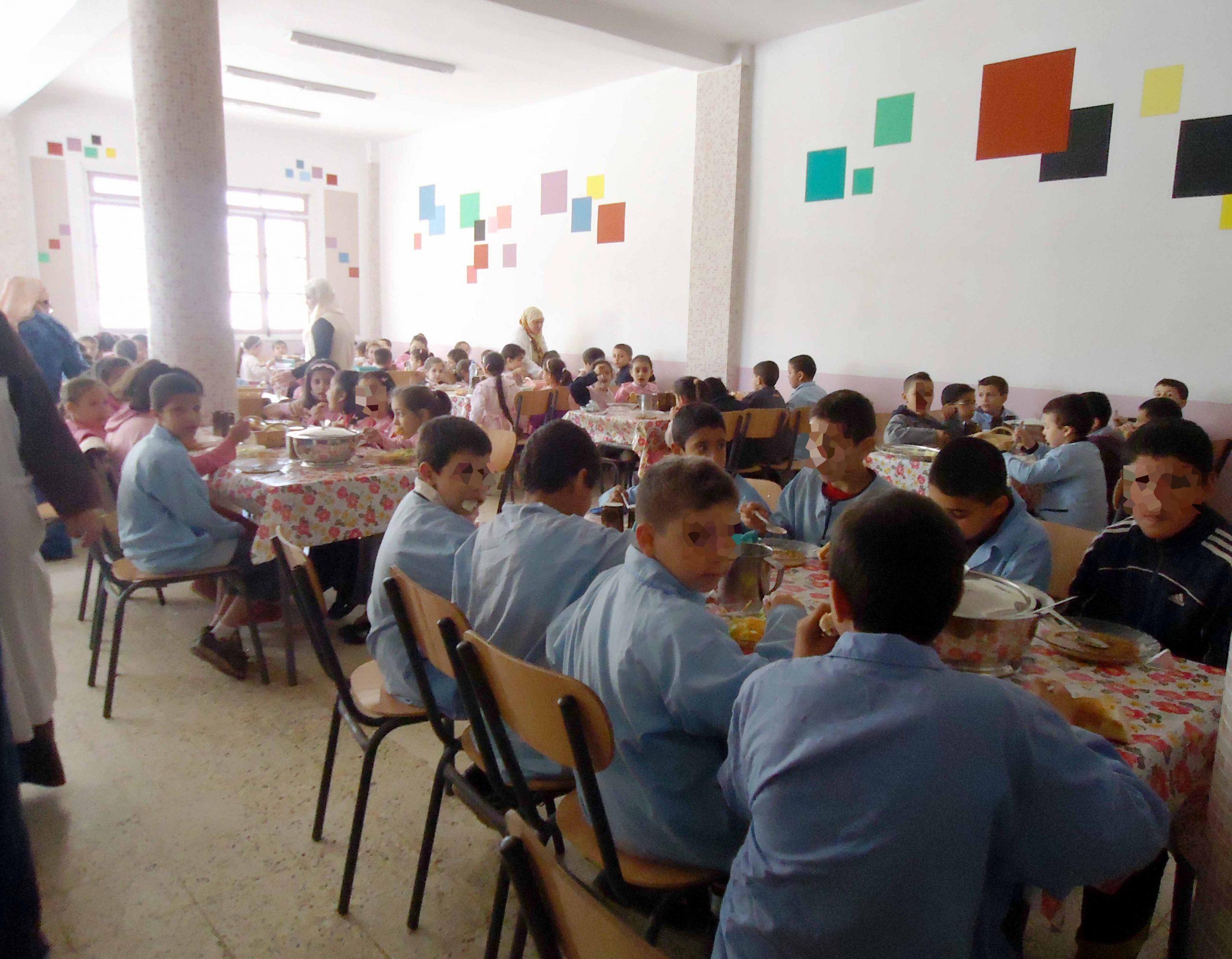 صورة الحكومة تخصص عشرين درهما في اليوم لإطعام تلاميذ الداخليات
