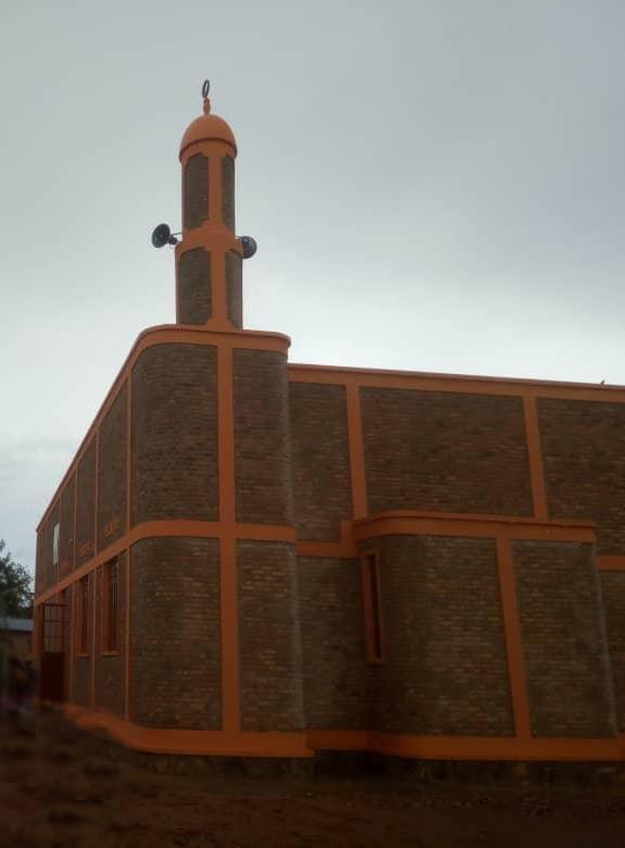 صورة افتتاح مسجد وإسلام 356 بثلاث محافظات في بوروندي