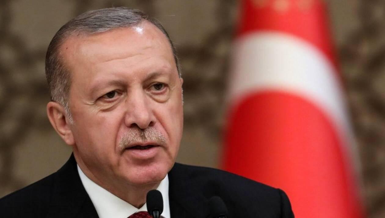 Photo of أردوغان يزج بالمُعارِضة جانان في السجن لمدة 10 سنوات