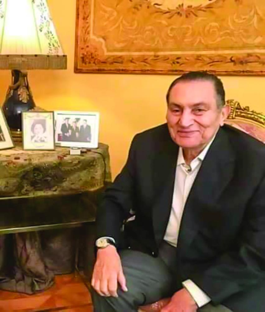 صورة الرئيس المصري الأسبق حسني مبارك في أول خروج إعلامي