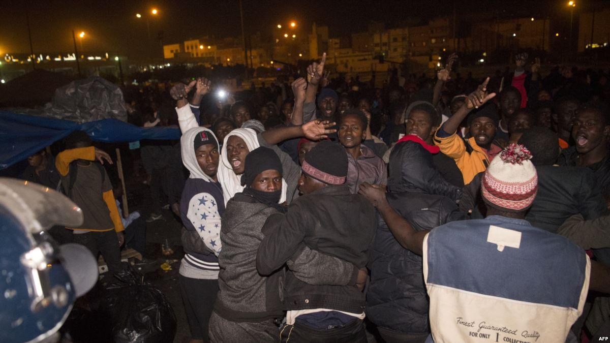 "Photo of مخيم ""ولاد زيان"".. حياة مهاجرين بين الانتظار والحلم"