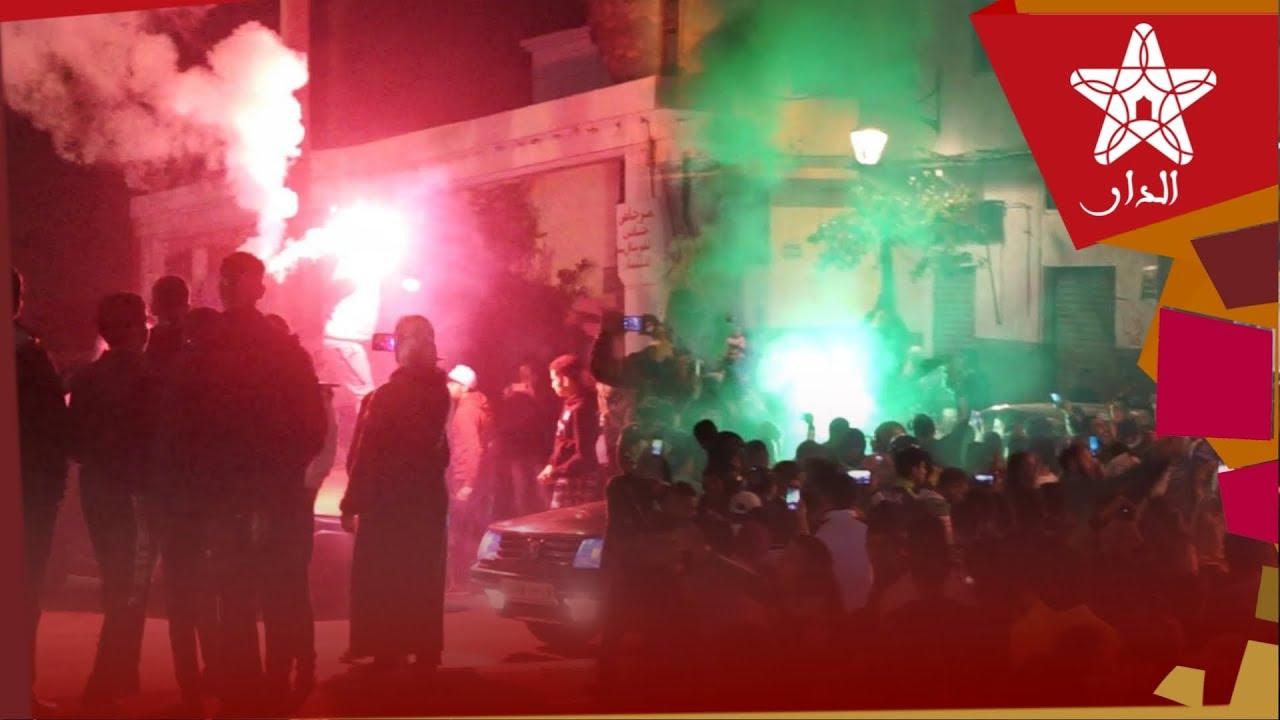 صورة ليلة بيضاء في الدار البيضاء.. وجماهير الرجاء في احتفالية كبرى في شوارع وأحياء المدينة