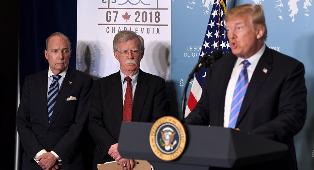 صورة دونالد ترامب ينهي مهام مستشاره للأمن القومي من البيت الأبيض