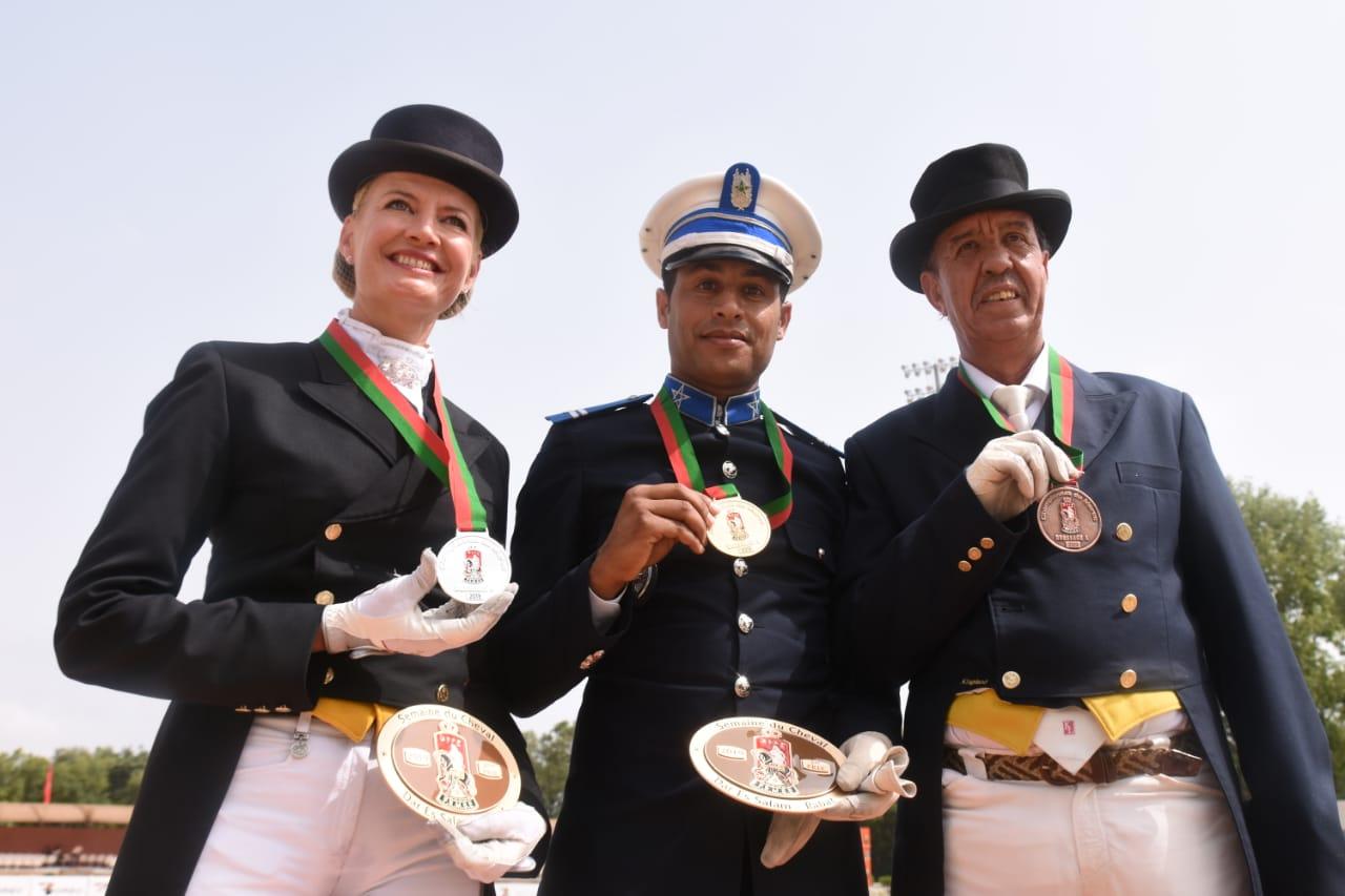 Photo of للسنة الثانية على التوالي.. خيالة الأمن الوطني تحرز الجائزة الكبرى لبطولة المغرب في ترويض الخيول