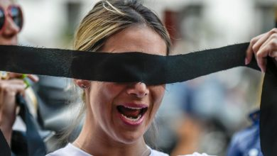 "Photo of تونسيات تؤدين أغنية ""المغتصب هو أنت"" التشيلية احتجاجا على العنف ضد المرأة"