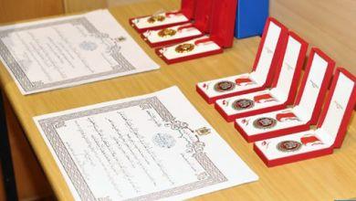صورة تسليم أوسمة ملكية لموظفين بوزارة التربية الوطنية والتكوين المهني والتعليم العالي والبحث العلمي