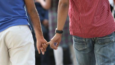Photo of اليونان..مطالب حقوقية بمنح حق اللجوء للمثليين الجنسيين المغاربة