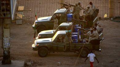 """صورة عناصر أمن سودانيون ينفذون """"تمردا"""" احتجاجاً على خطة مكافآت مالية"""