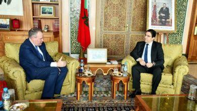 صورة السيد بوريطة يتباحث بالرباط مع وزير الدولة البريطاني للتجارة الدولية