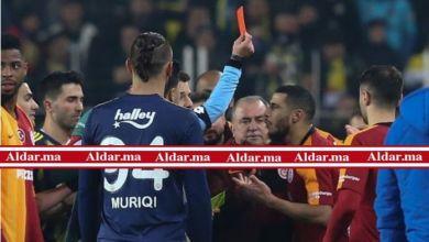 صورة بالفيديو..بلهندة يطرد في ديربي الدوري التركي