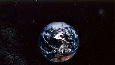 Photo of صورة للأرض قبل 30 عاماً.. نقطة صغيرة سابحة في الفضاء!