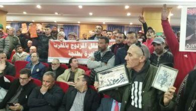 """Photo of أصحاب """"النقل المزدوج"""" يحتجون على عمدة طنجة بالأكفان والتوابيت.."""