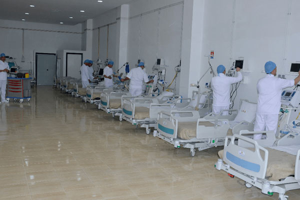 وتيرة إنجاز المستشفى الميداني بالدار البيضاء تسير وفق البرنامج ...