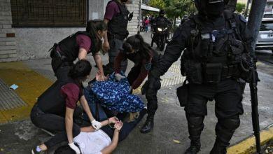 صورة تمرد داخل سجن في الأرجنتين بعد تأكيد إصابة بكورونا بداخله