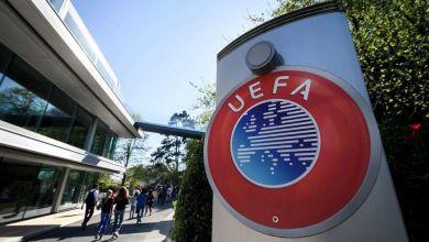 صورة رئيس الاتحاد الأوروبي لكرة القدم يطالب الاتحادات المحلية بتحديد خطة استكمال المنافسات