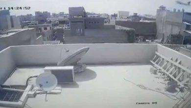 صورة فيديو لحظة سقوط الطائرة الباكستانية ووقوع الانفجار
