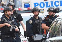 Photo of إقالة 4 شرطيين أميركيين بعد مقتل شاب أسود ضغط شرطي بركبته على عنقه (فيديو)
