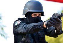 Photo of فاس.. ضابط شرطة يشهر سلاحه لتوقيف شخص متورط في السرقة بالعنف