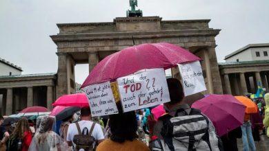 صورة إصابة 45 شرطيا باحتجاجات في برلين على إجراءات احتواء كورونا