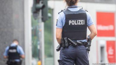 صورة ألمانيا…الشاب المعتقل على نمط جورج فلويد مغربي الأصل والشرطة تحقق في فيديو اعتقاله