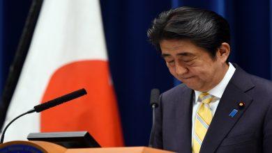 صورة بدء السباق لاختيار خلف لرئيس الوزراء الياباني غداة استقالته المفاجئة