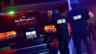 صورة الخميسات : مقدم شرطة يستعمل مسدسه لايقاف جانح هدد رجال الامن بالسلاح الابيض