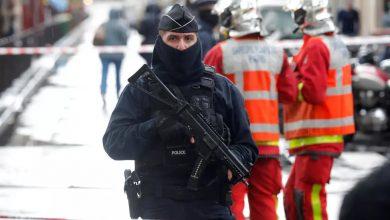 صورة فرنسا: المشتبه به الرئيسي في الاعتداء قرب مقر شارلي إيبدو السابق في باريس يقر بذنبه