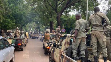 صورة مالي: المجموعة الاقتصادية لدول غرب أفريقيا تدعو لتسليم السلطة لحكومة مدنية على الفور