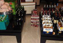 صورة طنجة.. رصد مخالفات وضبط مشروبات كحولية ومواد غذائية منتهية الصلاحية داخل مطاعم وفنادق مصنفة