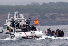 """صورة عناصر البحرية الاسبانية تعترض """"حراكة"""" مغاربة قبالة سواحل سبتة المحتلة"""