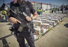 صورة ضبط 35 طنا من الحشيش المغربي في عملية أمنية للشرطة الوطنية الإسبانية