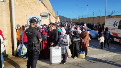 صورة مليلية..السلطات تستعد لطرد مغاربة عالقين في المدينة