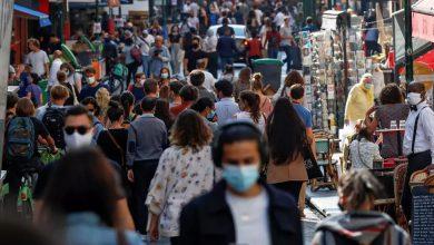 صورة باريس تستعد لإغلاق الحانات للحد من انتشار فيروس كورونا